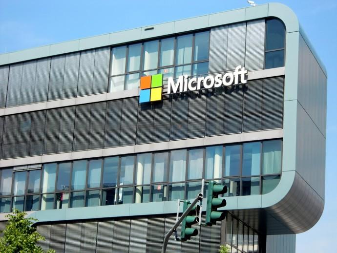 Microsoft odhalil tak závažnou chybu ve Windows XP, že na roky nepodporovaný program vydal záplatu