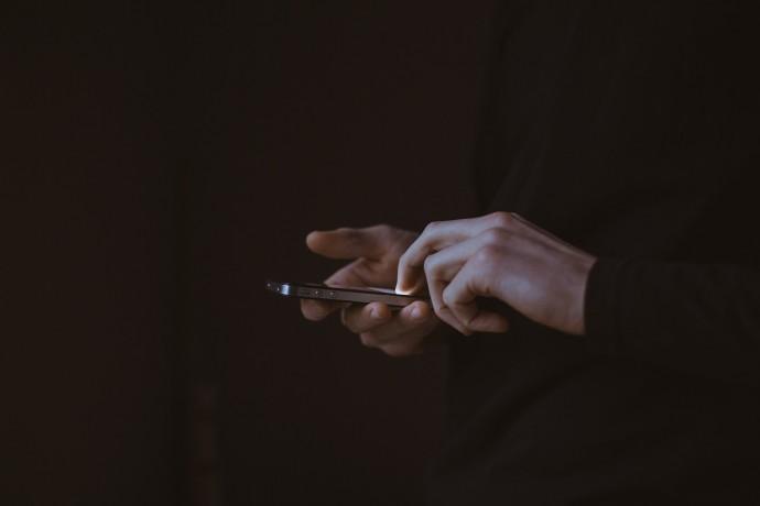 iPhonům hrozil největší útok v dějinách, zachránili je konkurenti z Google